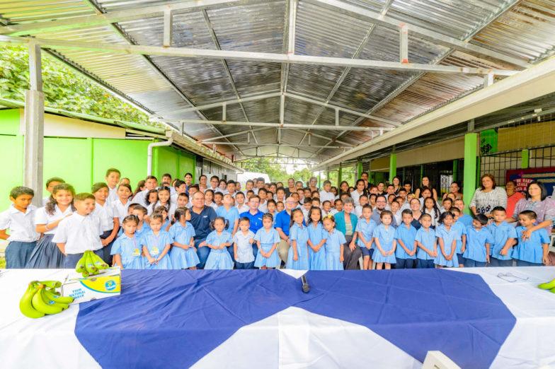 Chiquita schenkt land voor het bouwen van scholen aan het ministerie van onderwijs van Costa Rica - 6