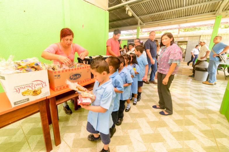 Chiquita schenkt land voor het bouwen van scholen aan het ministerie van onderwijs van Costa Rica - 7