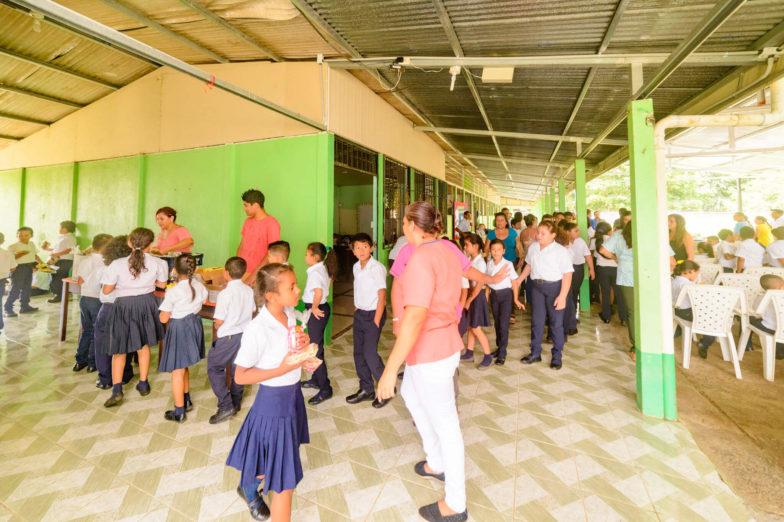 Chiquita schenkt land voor het bouwen van scholen aan het ministerie van onderwijs van Costa Rica - 8