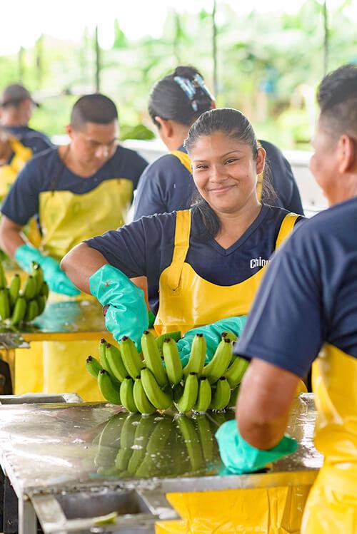 Chiquita gaat de uitdaging aan om vrouwen te emanciperen - 1
