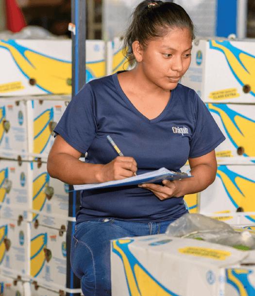 Chiquita gaat de uitdaging aan om vrouwen te emanciperen - 4
