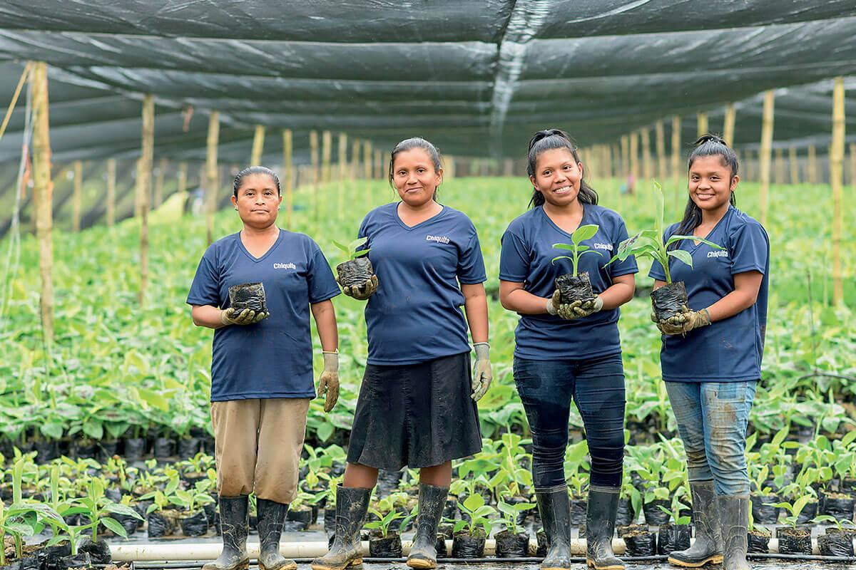Chiquita gaat de uitdaging aan om vrouwen te emanciperen