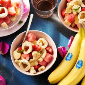 Hartvormige fruitsalade voor Valentijnsdag met Chiquita-banaan en watermeloen