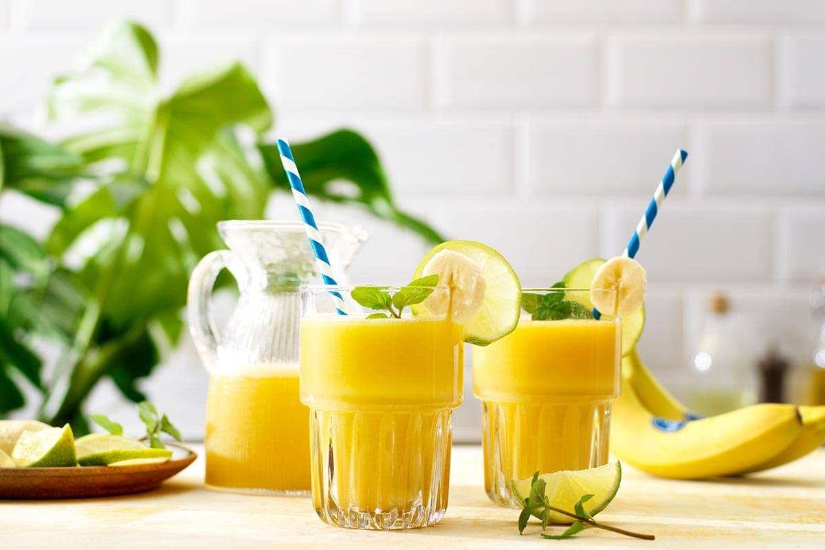 Tropische Chiquita bananencolada-shake met kokoswater
