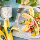 Biologische, tropische Chiquita-bananensplit met kokos en munt