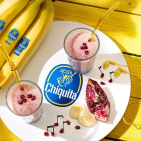 Smoothie van Chiquita-banaan en granaatappel