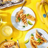 Gegrilde Chiquita bananen met kaneel voor op de barbecue