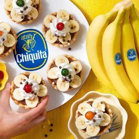 Retro-taarten met chocoladeroom en Chiquita banaan