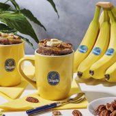 Mug cake met Chiquita banaan, pecannoten en ahornsiroop