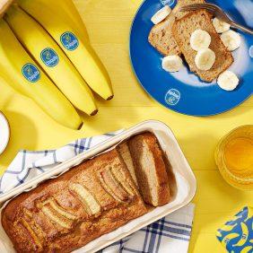 Volkoren bananenbrood voor Dash-dieet door Chiquita